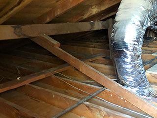 Crawl Space Repair Service | Attic Cleaning Oakland, CA